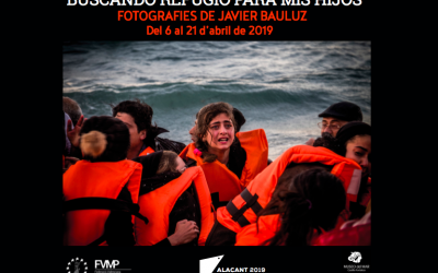 EL FOTOPERIODISTA JAVIER BAULUZ PORTA A SANTA POLA LA SEVA MOSTRA 'BUSCANDO REFUGIO PARA MIS HIJOS'